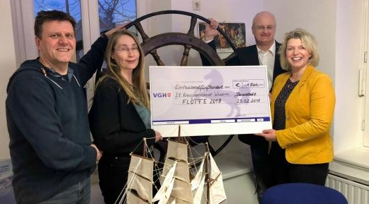 VGH übergibt Spende für die Flotte