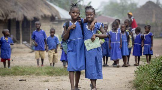 Kindern Zukunft schenken – 62. Aktion von Brot für die Welt startet am 1. Advent